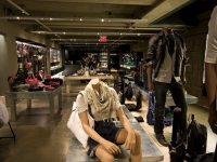 Women's Jewelry, Accessories and Apparel Lighting Design - Diesel NY