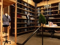 levis-store-lighting-design-9 - id: 209