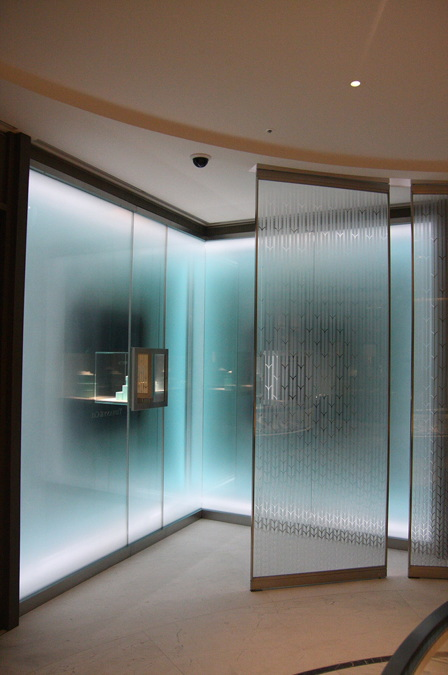 """9b789eb56 Tiffany's South Korean flagship in Incheon utilized their signature """"blue  box"""" branding as a concept for the storefront design, which features a  vitrine ..."""